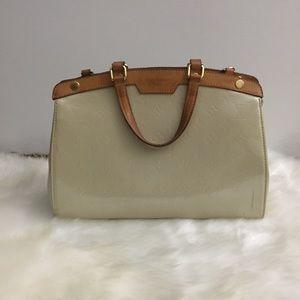 Authentic Louis Vuitton Brea Vernis Bag Purse